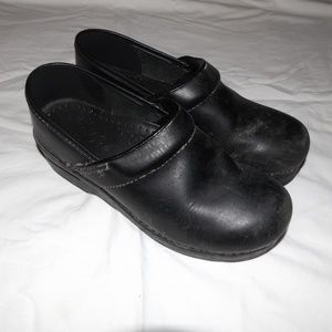 Dansko 37 Black Nursing Shoes